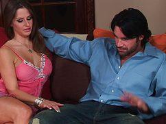 Альфа самец грамотно развел чужую жену на отличный секс
