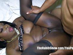 Черный долбит свою пышную афроамериканскую подружку
