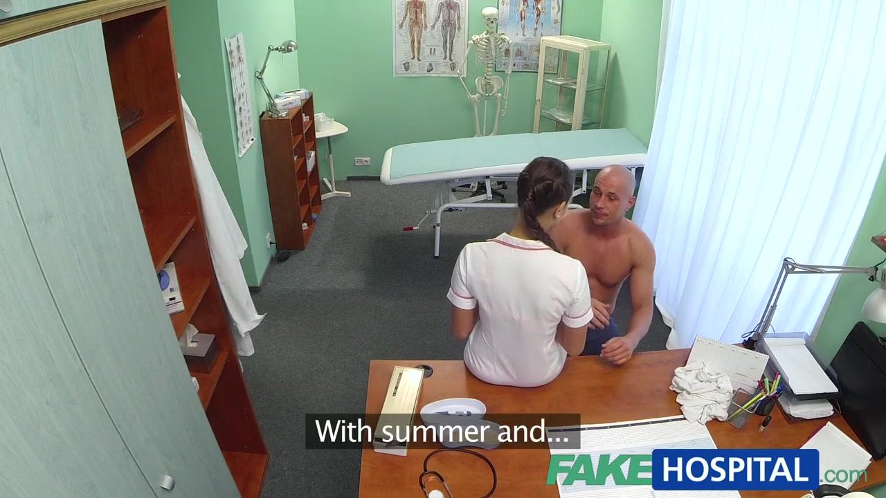 Возбужденная медсестра совратила пациента