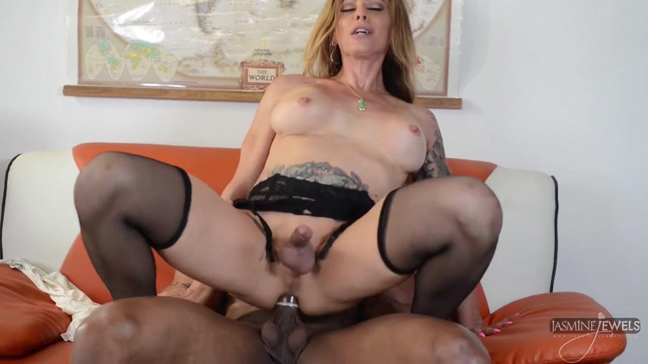 Порно видео секретарши раздеваются и дают, фото с еблей в жопу