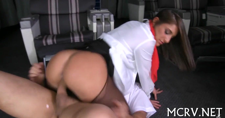 Групповой секс с полной стюардессой