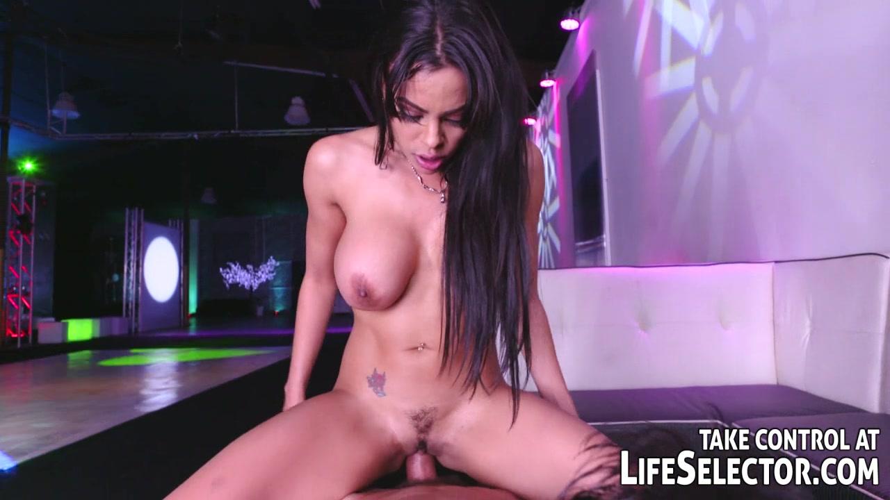 Подборка грудастых девушек, порно красивое личико жесткое