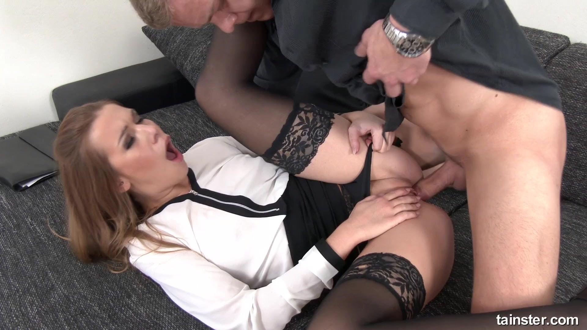 Любит похотливая девушка жесткий трах с неугомонным мужчиной