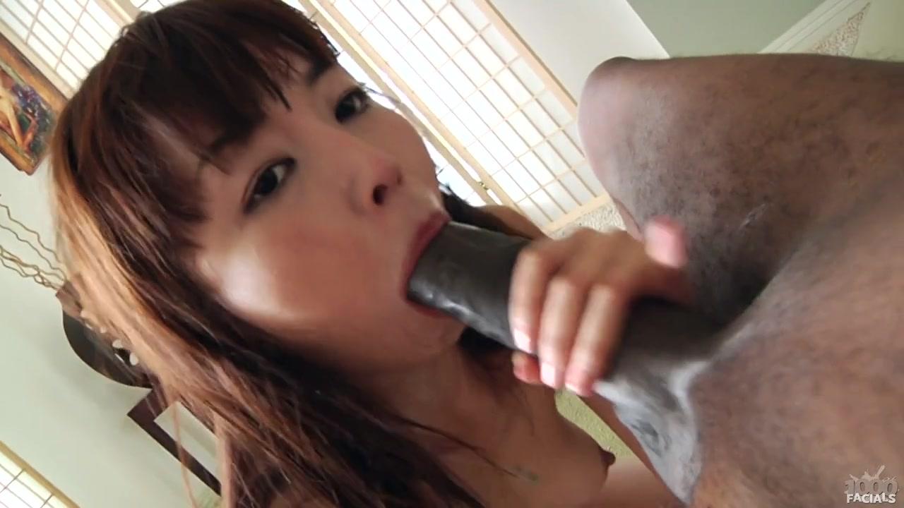 Порно азиатки в горло с негром