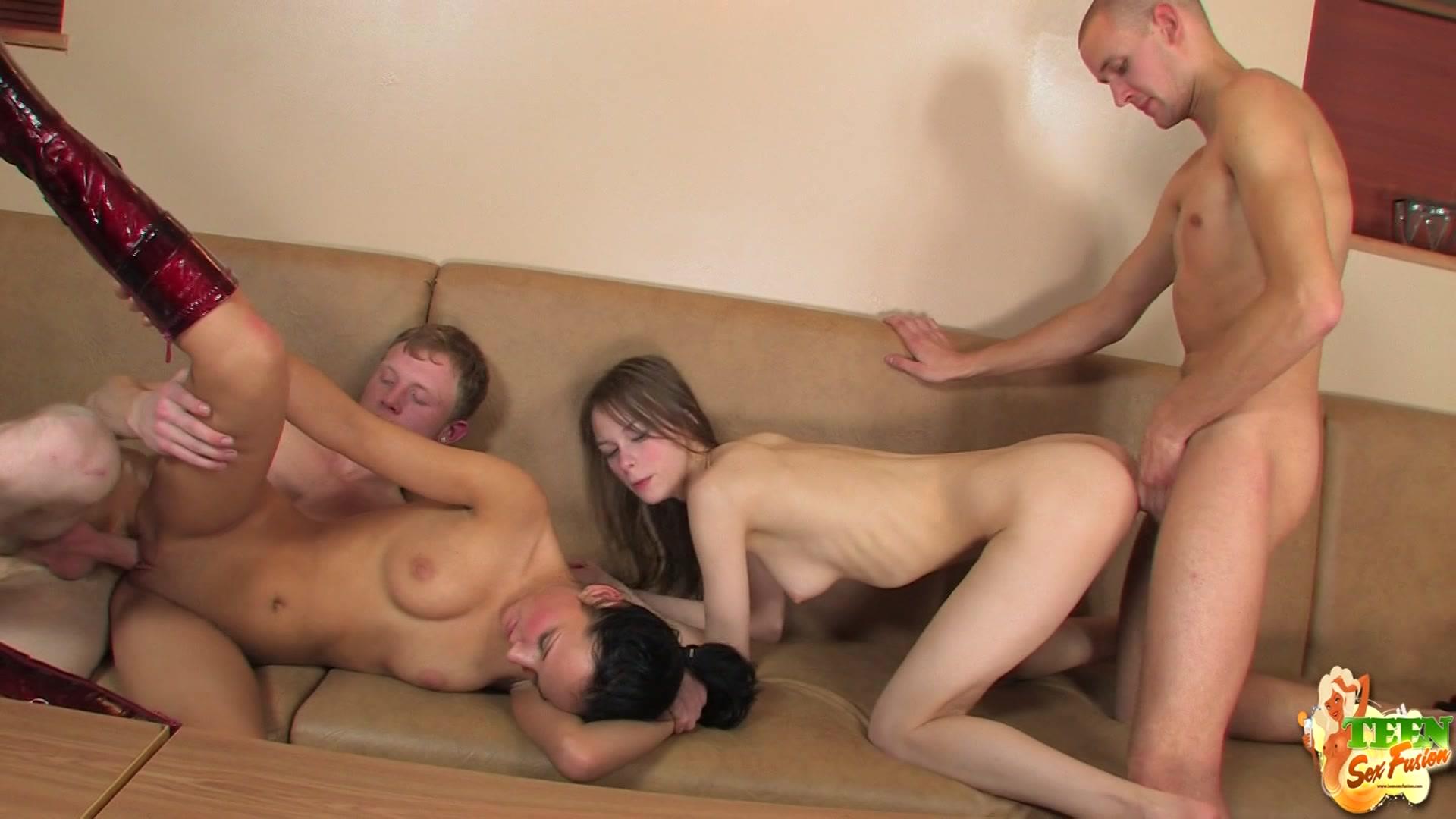 Секс в жопу свингере