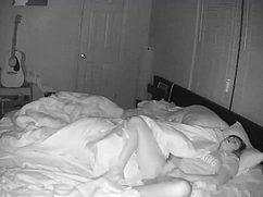 Скрытая камера видит как мастурбация происходит