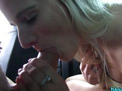 Мистер затеял секс с девушкой в машине на заднем сидении