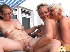 Дамочки с пездами практикуют розовый секс