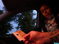 Опытный водила снял и трахнул девушку в тухес
