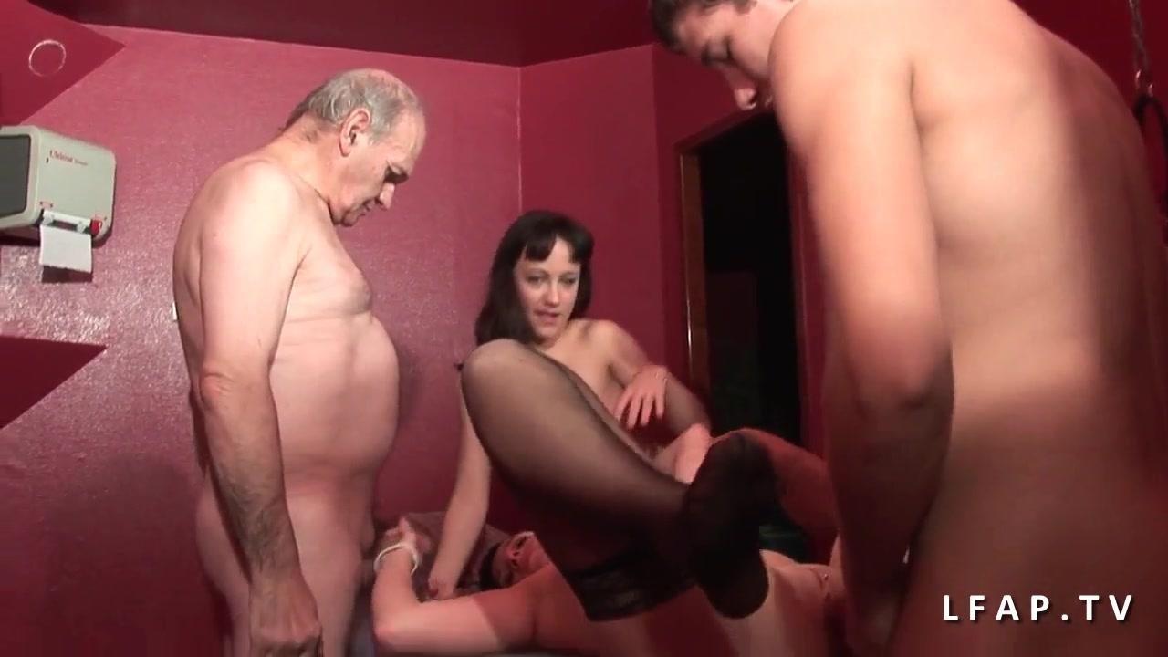 Сексуальные и молодые сучки