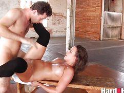 Подборка жесткого секса с самыми похотливыми дамами