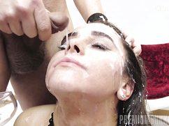 Много спермы оказалось на лице черноволосой
