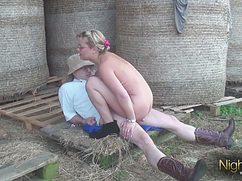 Опытный супруг оприходовал жену на даче во дворе