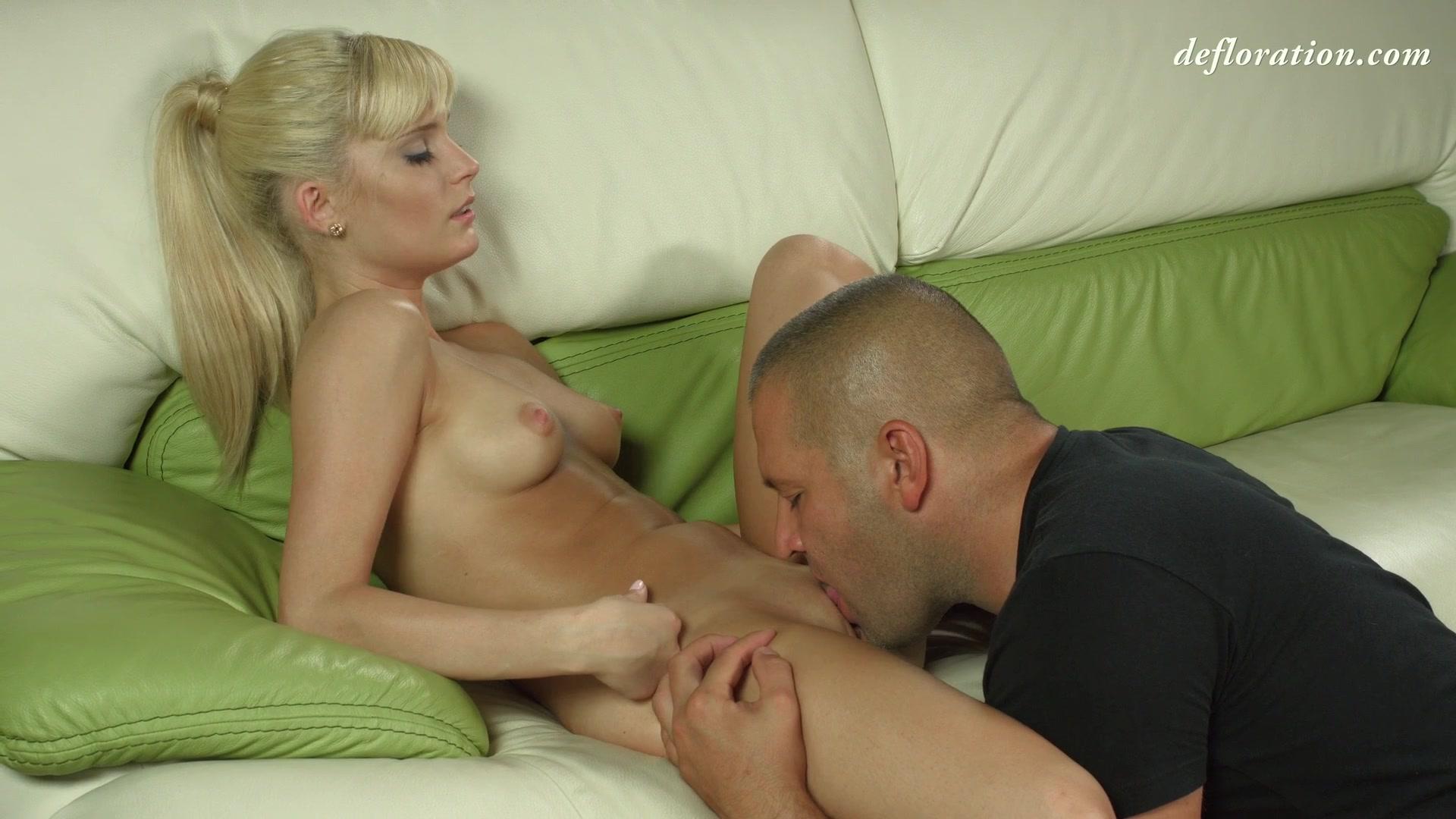 Милая Блондинка С Идеальными Формами Позирует Для Тебя Порно И Секс Фото С Блондинками