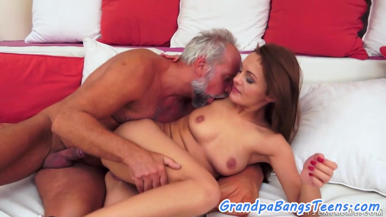 Порно Гифки Ариана Гранде