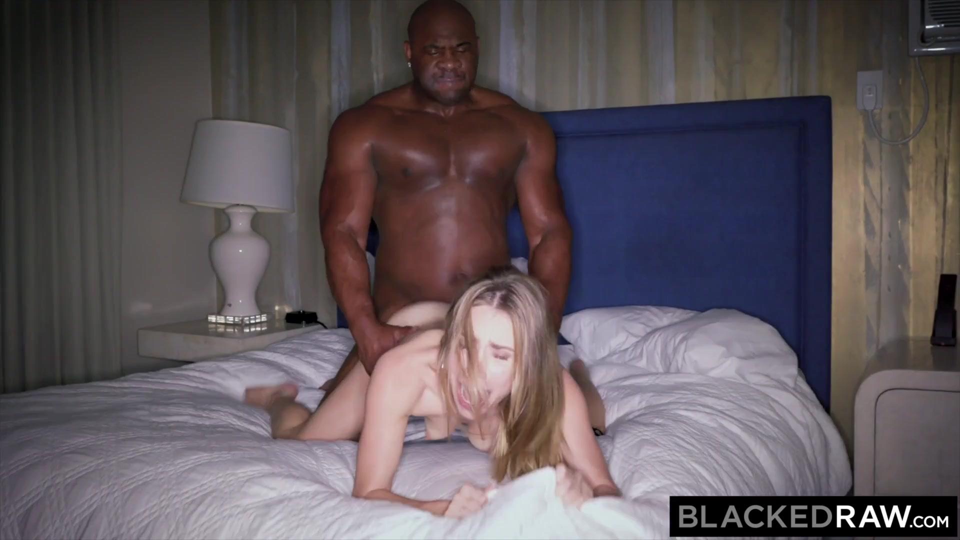 Ночью постели, нарезки необычного биссэксуального порно