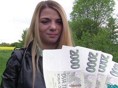 Мажорный джентльмен выебал девушку за деньги