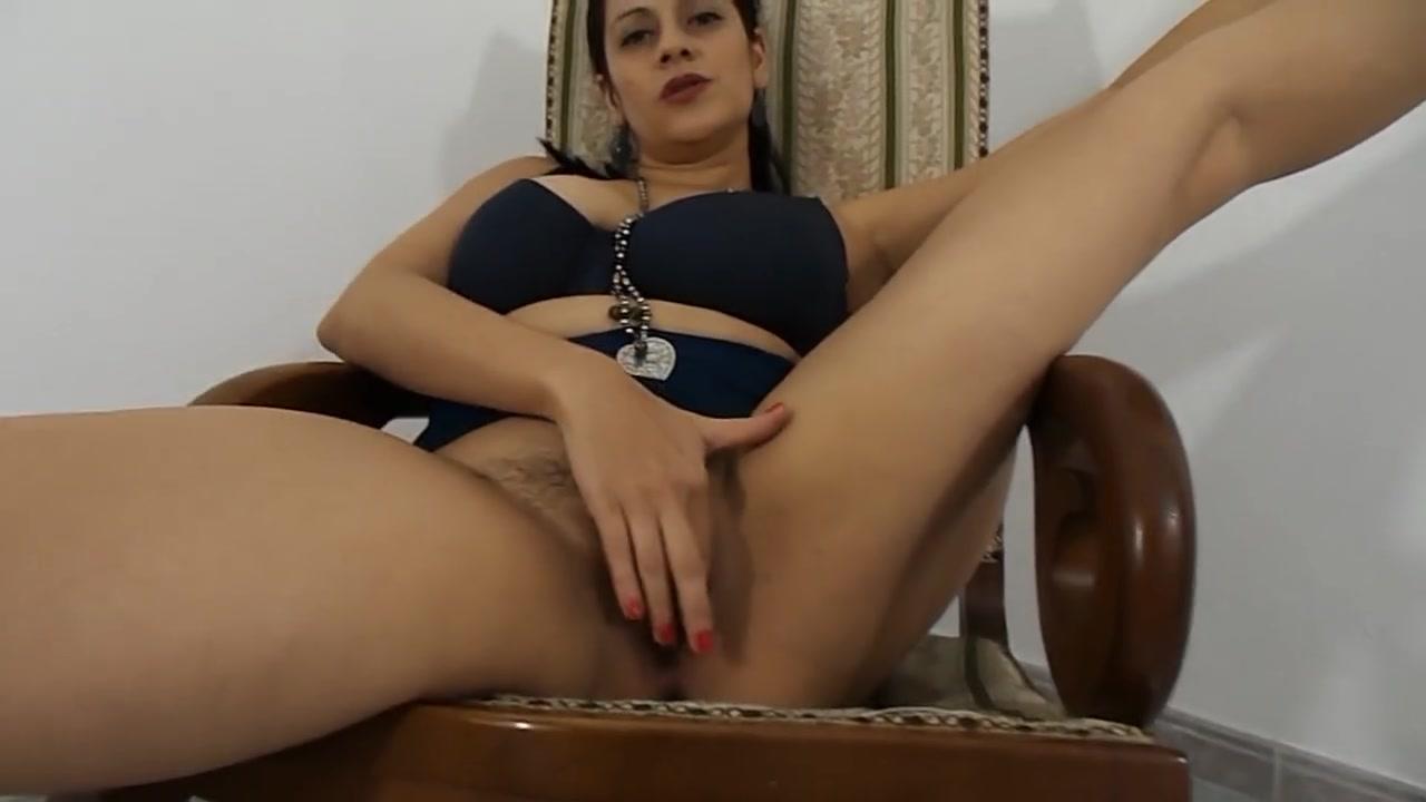 Жирнющая проститутка отдалась огромному члену смотреть онлайн, киска через трусики торчат