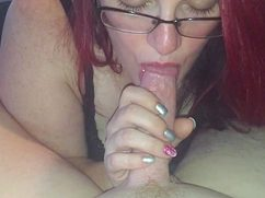 Своему голодному мужу жена пососала хер до оргазма