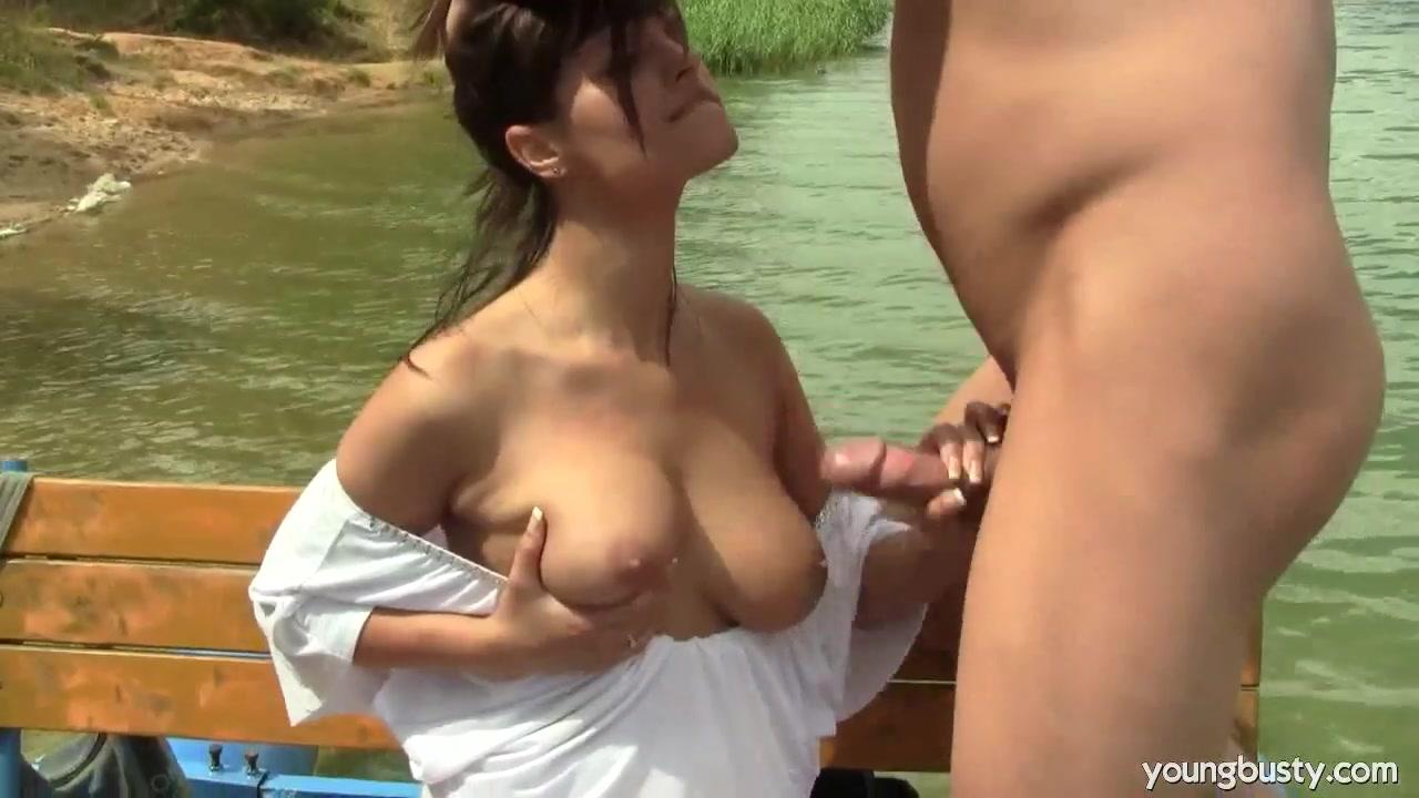 Секс не раздевая кончила фонтаном