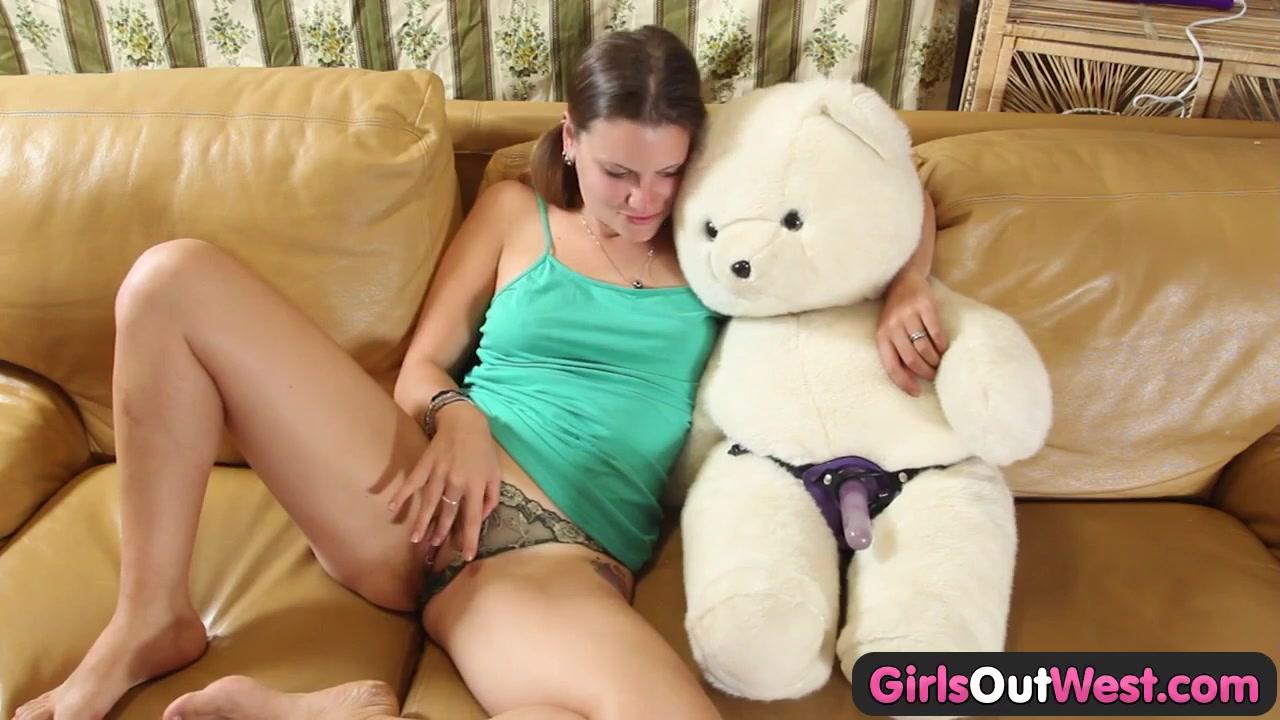Порно сайт с плюшевым медвежонком
