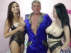 Зрелый дядька трахает двух моделей или Хью Хефнер в молодости
