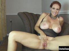 Шикарная грудь женщины и ее не менее клевая киска