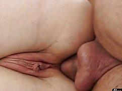 Опытный самец засадил в очко подружке мощный член
